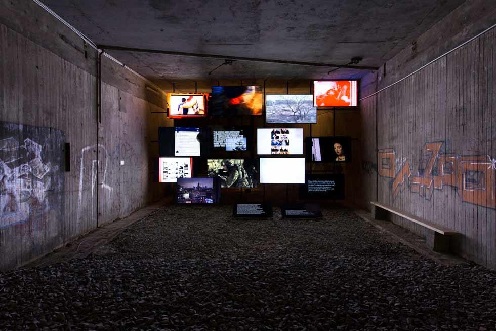 d14_Michel_Auder_The_Course_of_Empire_Former_Underground_Trainstation_foto_Jasper_Kettner